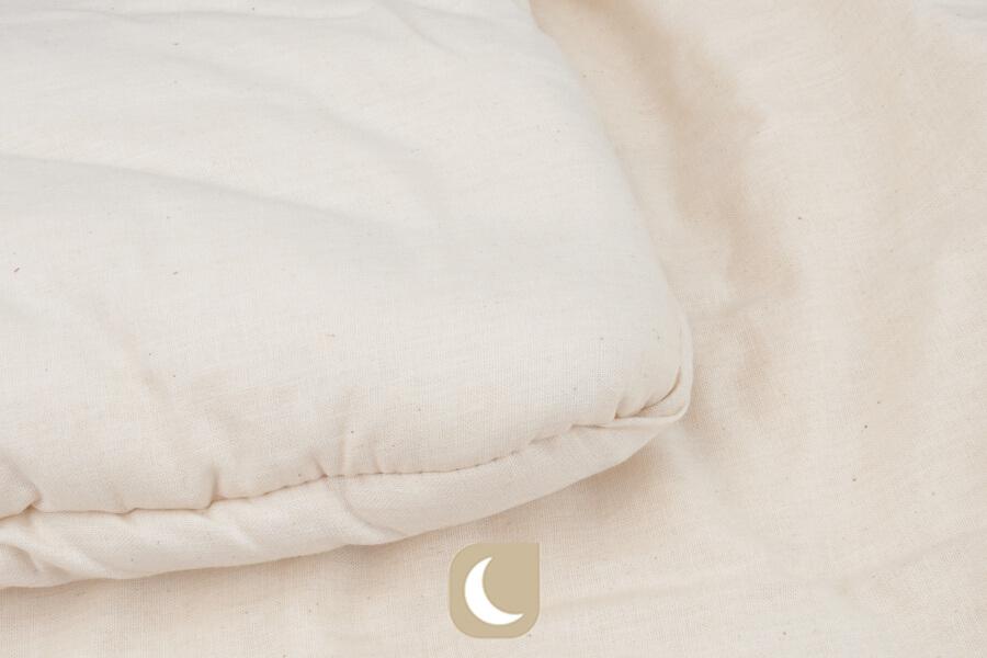 Vue des coutures de la couette hiver en coton bio